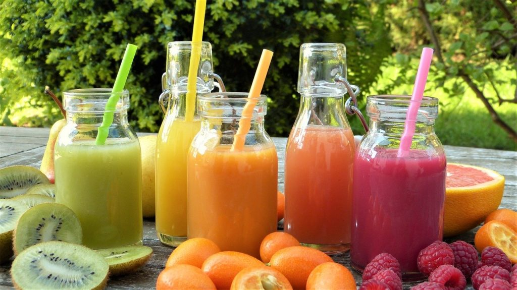 smoothies, juice, fruits